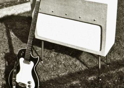 tuxedo-amp-690
